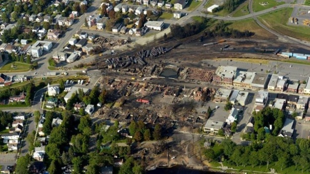 Lac-Megantic--Quebec--Canada-train-explosion-3-jpg